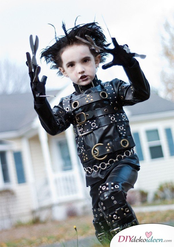 11 Halloween Kostüm Ideen für Kinder - DIY Kostüm selbermachen Edward mit den Scherenhänden
