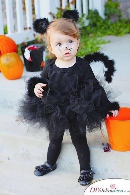 Kreative Kostüme zu Halloween - 13 Halloween Kostüm Ideen für Kinder - Katze