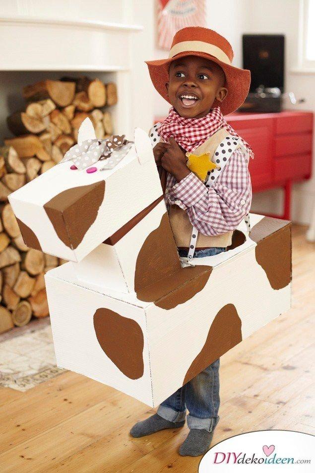 Kreative Kostüme zu Halloween - 13 Halloween Kostüm Ideen für Kinder - Cowboy