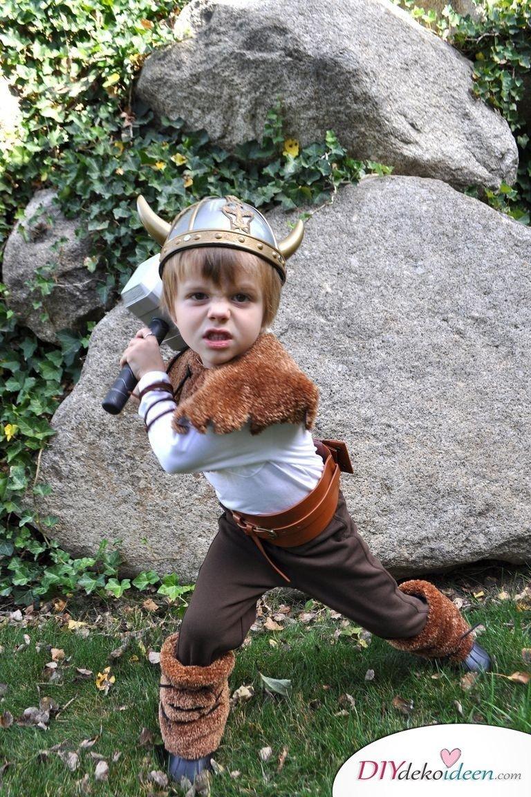 Kreative Kostüme zu Halloween - 13 Halloween Kostüm Ideen für Kinder - Wikinger