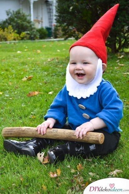 Kreative Kostüme zu Halloween - 13 Halloween Kostüm Ideen für Kinder - Gartenzwerg