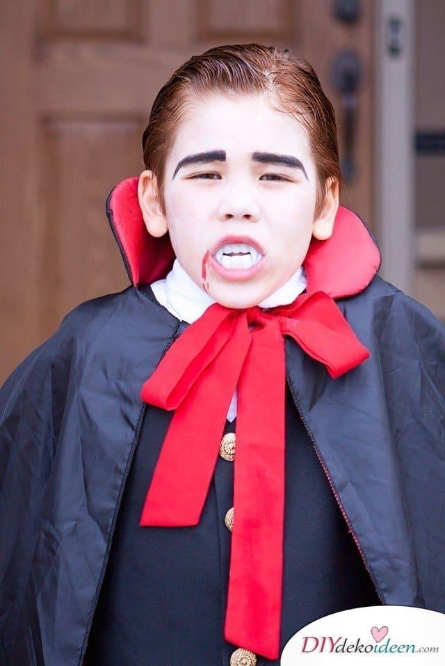 Halloween Schminkideen Kinder - 13 unheimlich tolle und einfache Ideen - Vampir - Kinderschminken