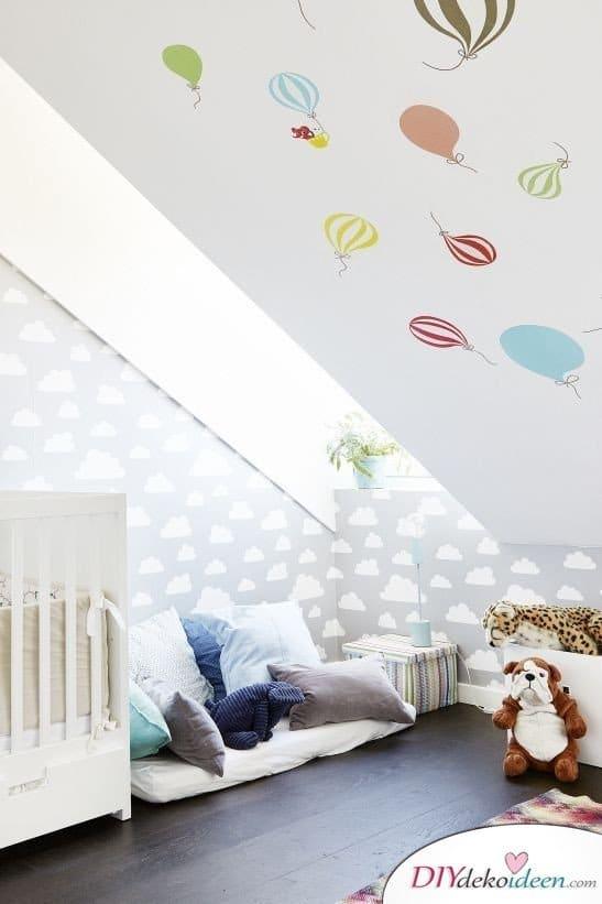 Dachbodenzimmer einrichten mit diesen tollen DIY Dekoideen - Wandsticker Dekoidee