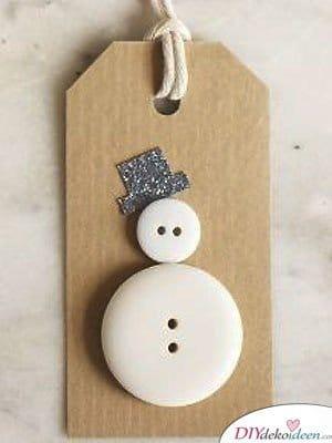 Schneemann Weihnachtskarten selber machen mit Knöpfen