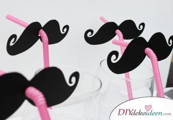 Silvester Deko basteln - Strohhalme mit Schnurrbart