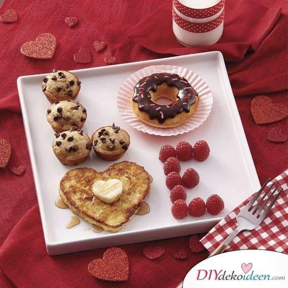 Frühstücksteller zum Valentinstag – die romantische Überraschung