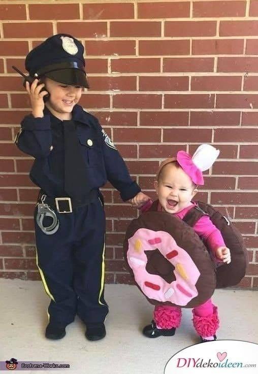 Baby Faschingskostüm Ideen - Polizist und Donut