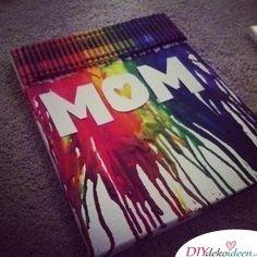 Eigenes Kunstwerk aus Wachsmalkreiden - Geburtstagsgeschenke für Mama