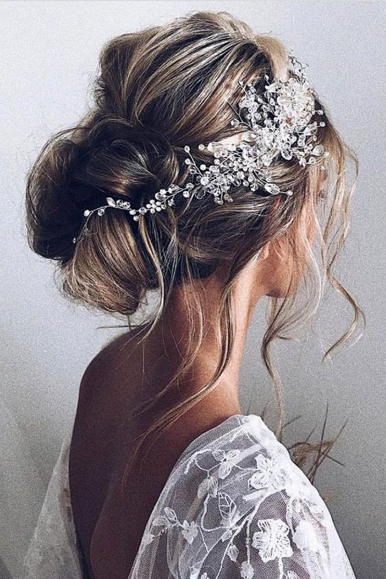 Hochzeitsfrisuren - Wilder Dutt
