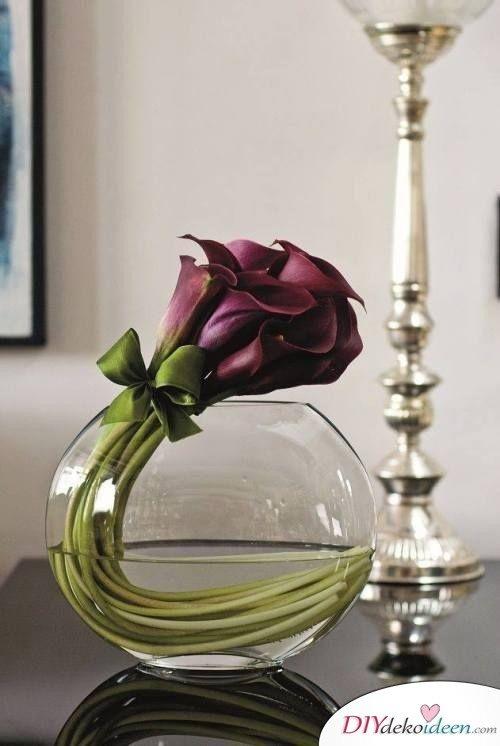 Frühlingstisch dekorieren mit Callas