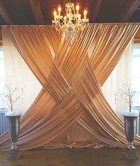 Verflochtene Vorhänge - Hochzeitsdeko Ideen