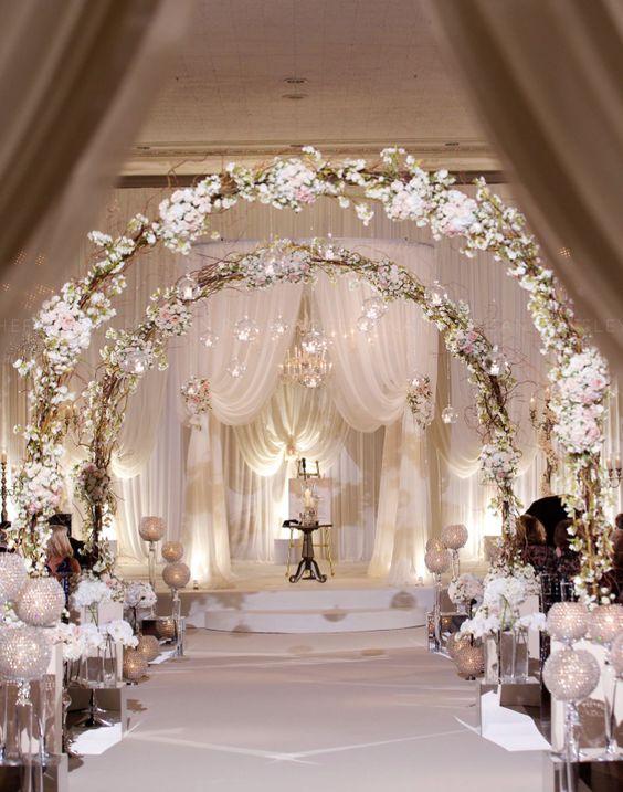 Rosenbögen - Hochzeitsdekoration selber machen