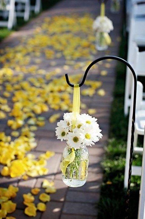 Günstige Hochzeitsdeko – DIY Vasen