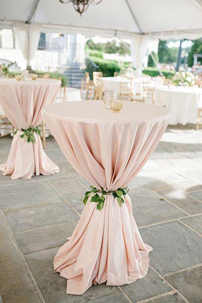 Deko für Hochzeit – Tischüberwürfe mit Ranken