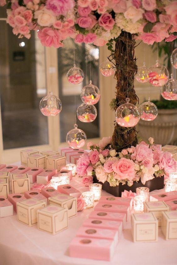 Hochzeitsdekoration selber machen – Schwebende Teelichter