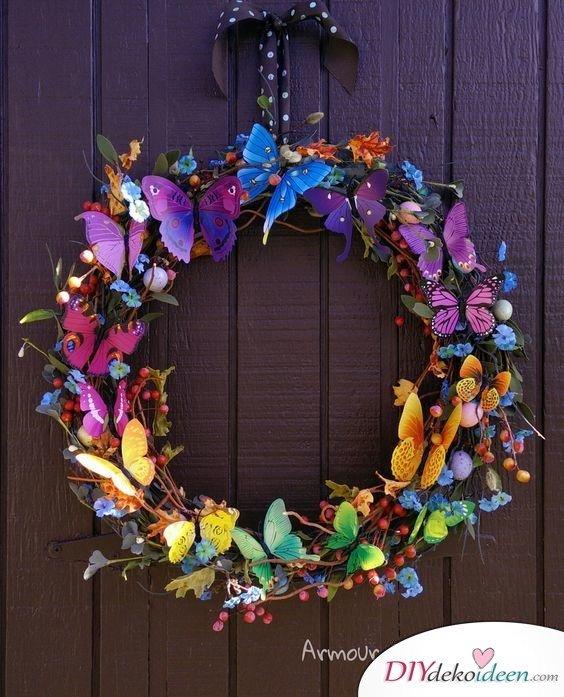 Bastelideen Türkranz Frühling – Schmetterlingskranz