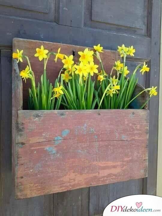 Türkranz Frühling selber machen – Blumenkiste