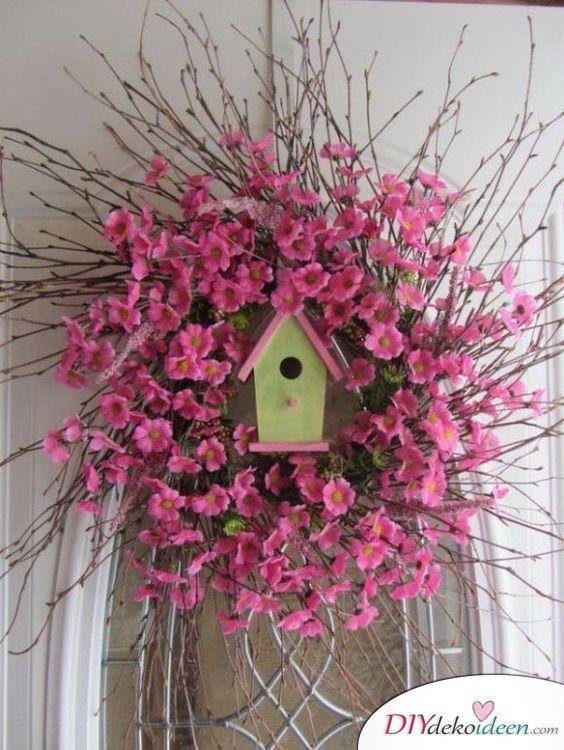Bastelideen Frühling – Türkranz mit Vogelhäuschen