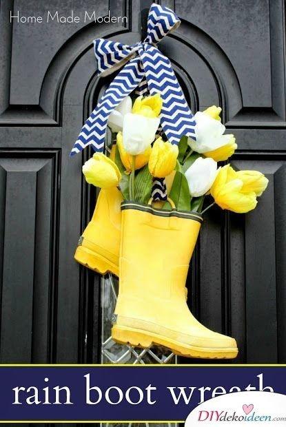 Türkranz Frühling selber machen – mit Blumen gefüllte Gummistiefel