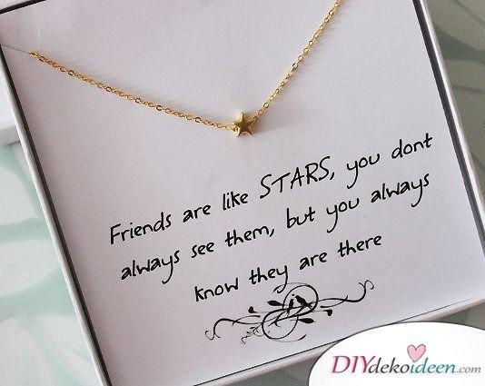 Halskette mit Stern - Geschenke für Frauen