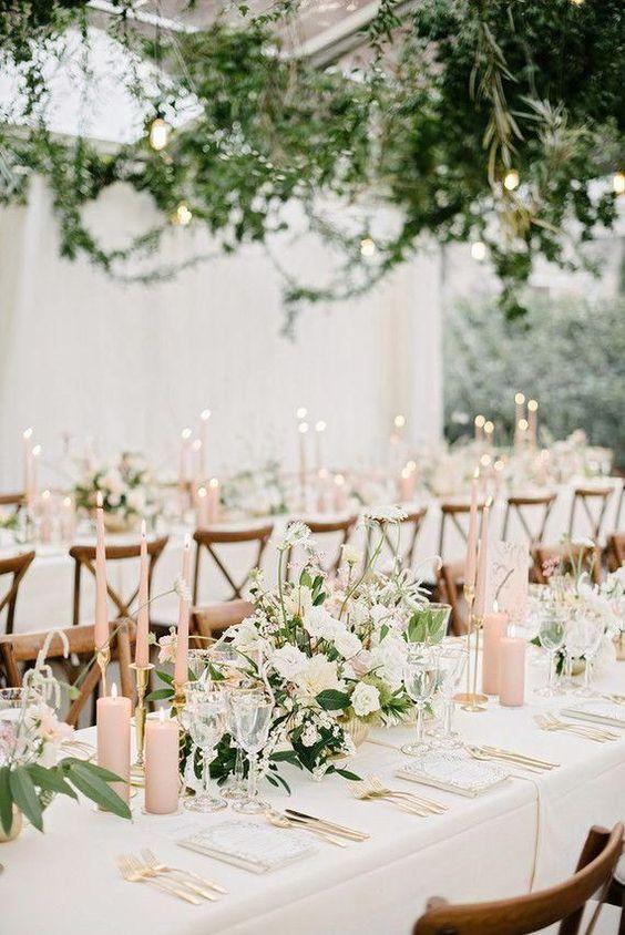 Elegante und schlichte Hochzeit Tischdeko selber machen