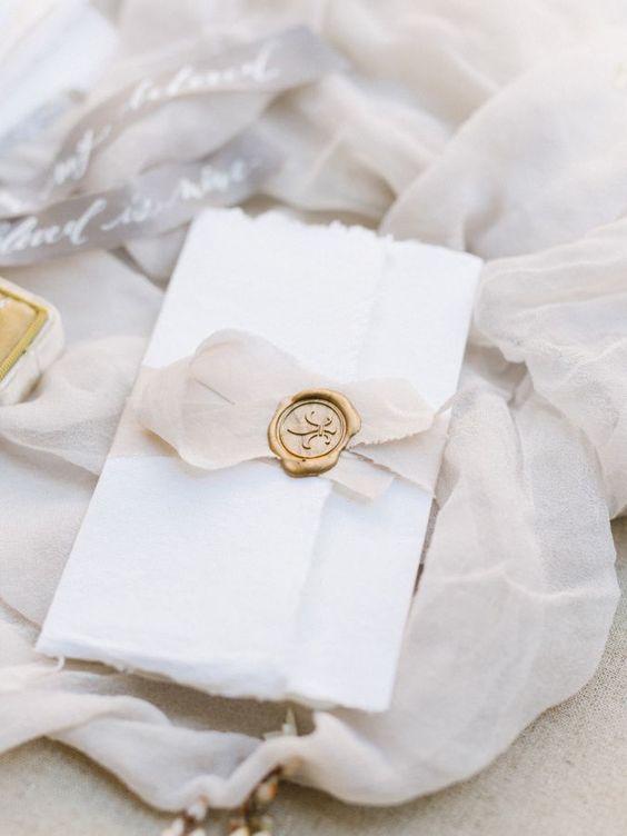 Edles Schröpfpapier mit Siegel - Hochzeitseinladungen selbst gestalten