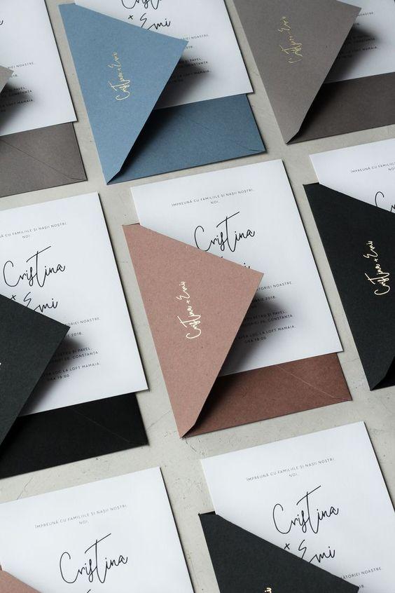 Farbige Briefumschläge - Hochzeitseinladungen selbst gestalten