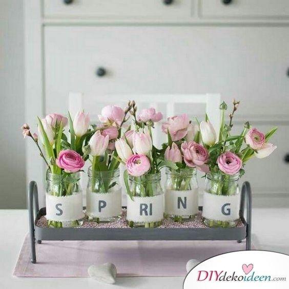 Vasenarrangement - Tischdeko Frühling selber machen