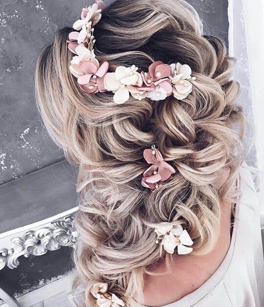 Lockerer seitlicher Zopf - Frisuren für Hochzeit