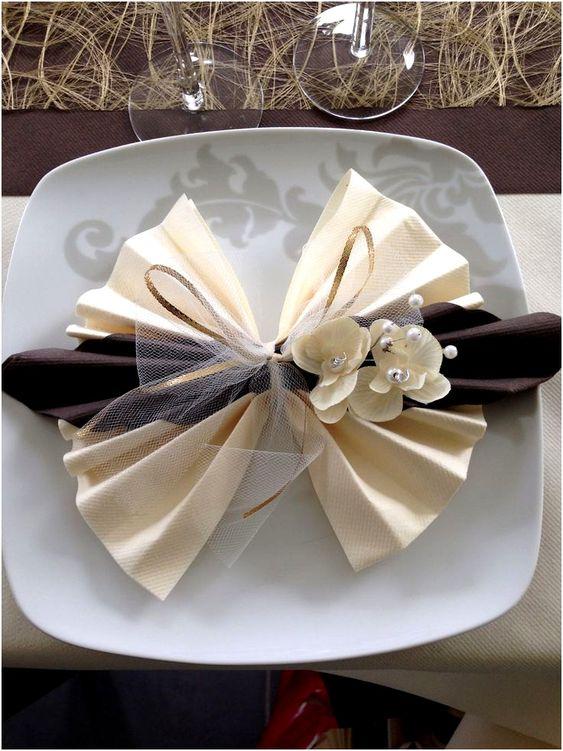 Dekorative Servietten falten zur Hochzeit - Hochzeitsservietten