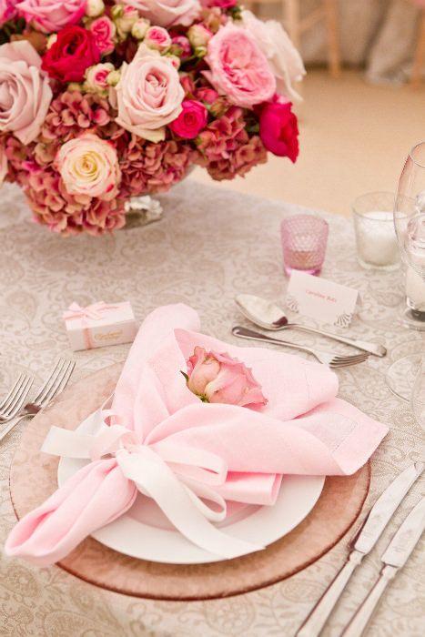 Blumenstrauß-Servietten falten zur Hochzeit
