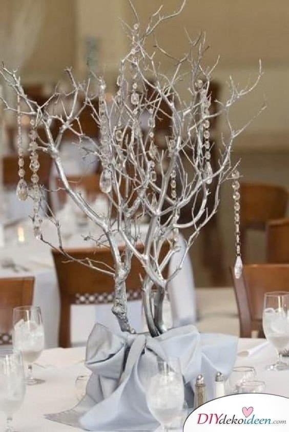 Dekoratives Kristallbäumchen - Tischdeko Silberhochzeit Beispiele