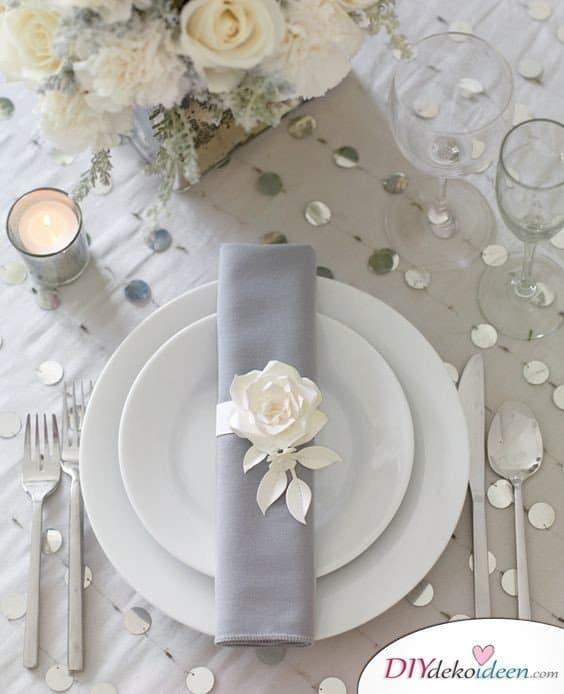 Serviettenringe mit Blumen – Hochzeitsdeko