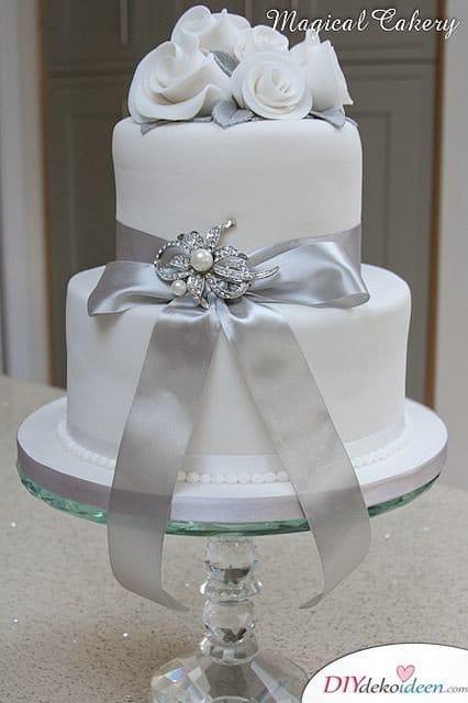 Geschmückte Torte - Deko für Silberhochzeit