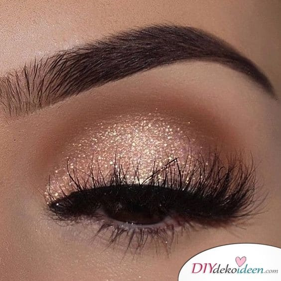 Glitzernder Eyeshadow fürs Hochzeits Make up