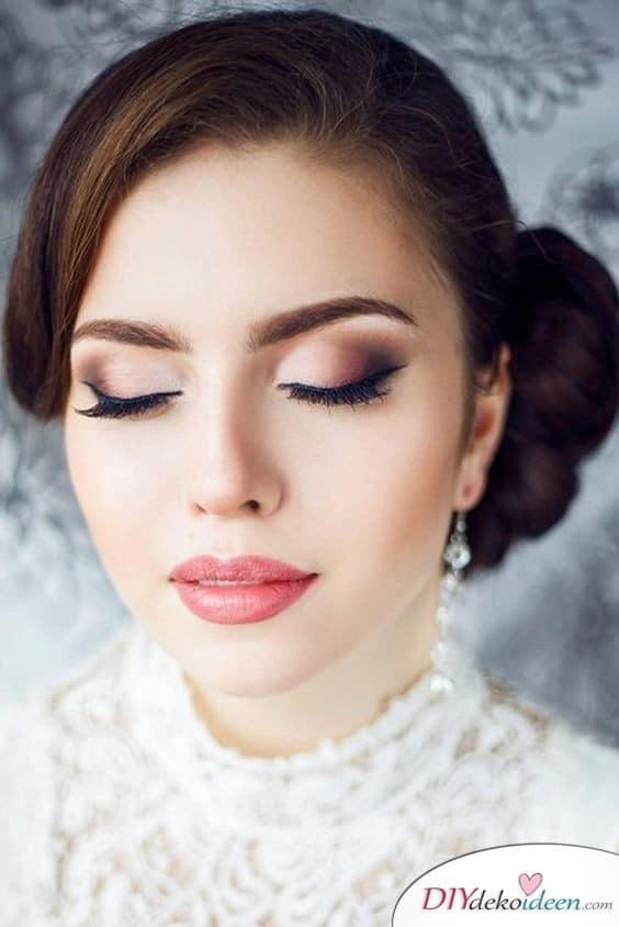 Schönes Augen-Make-up schminken für die Hochzeit