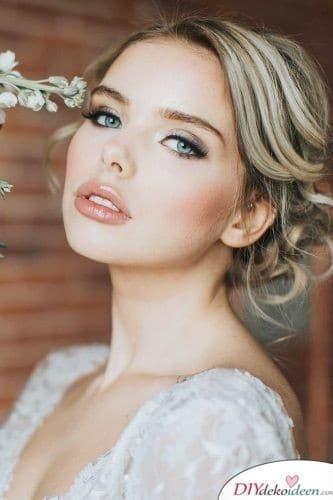 Dezentes Make up für die Braut