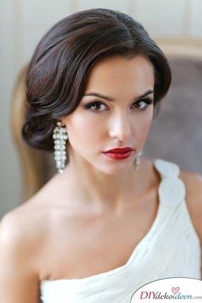 Rote Lippen soll man küssen - Braut Make up