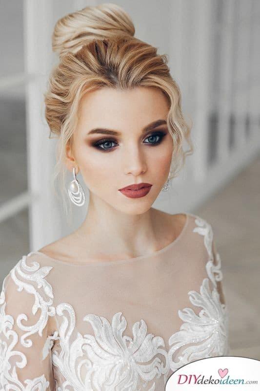 Volle Lippen schminken zur Hochzeit