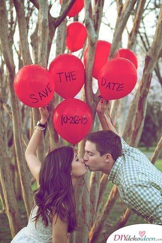 Beschriftete Luftballons - ausgefallene Einladungen zur Hochzeit