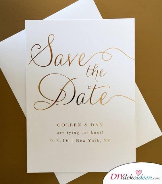 Elegante Save the Date Karten mit goldener Schrift