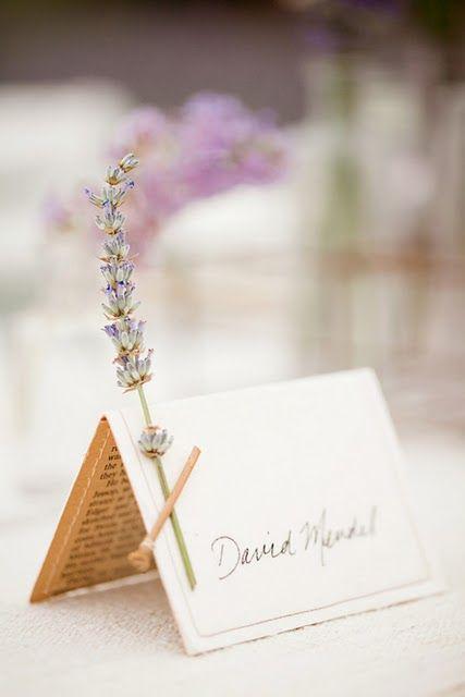 Tischkarten zur Hochzeit Ideen mit Lavendel