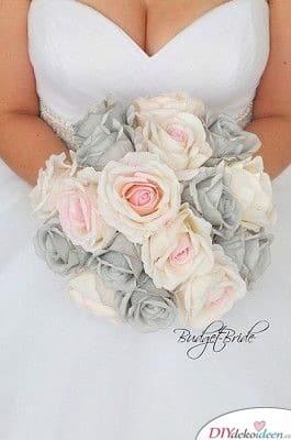 Strauß zur Hochzeit – Rosen in Weiß und Grau