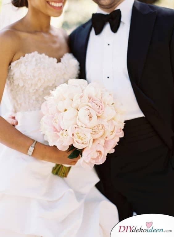 Pfingstrosenstrauß – elegante Hochzeiten