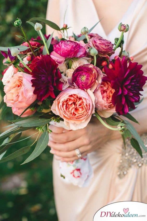 Farbtupfer – Strauß aus Pfingstrosen für die Hochzeit