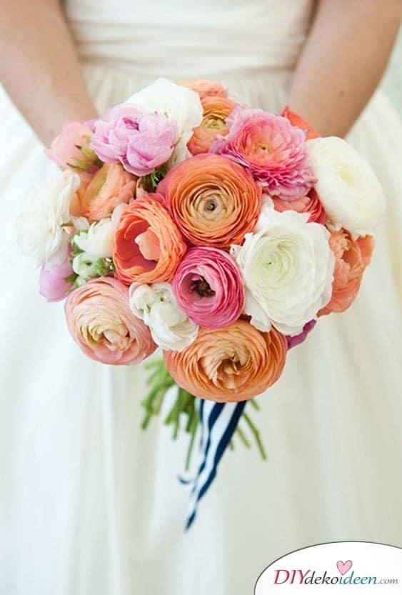 Brautstrauß in bunt – hübsche Ranunkeln