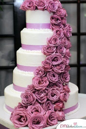 Torte in Lila - Hochzeitstorte Ideen