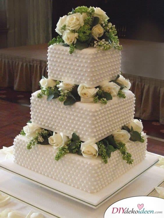 Zuckerperlen-Hochzeitstorte