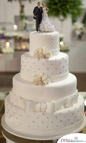 Romantische Torte mit Hochzeitstorten Deko Figuren