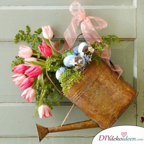Gießkanne Gartendeko im Frühling